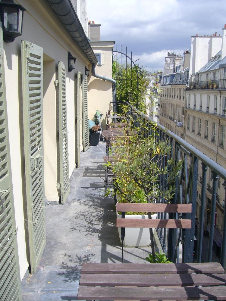 Acheter appartement m tro pyramides palais royal for Appartement avec terrasse paris