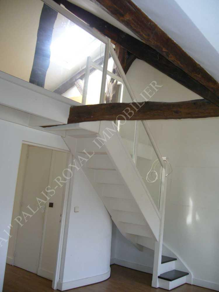 Louer appartement vide place du march saint honor for Location appartement atypique paris